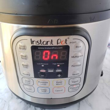The 6 Quart Duo 7-in-1 Instant Pot is easy to use and has a digital display that tells you when it's on and off.