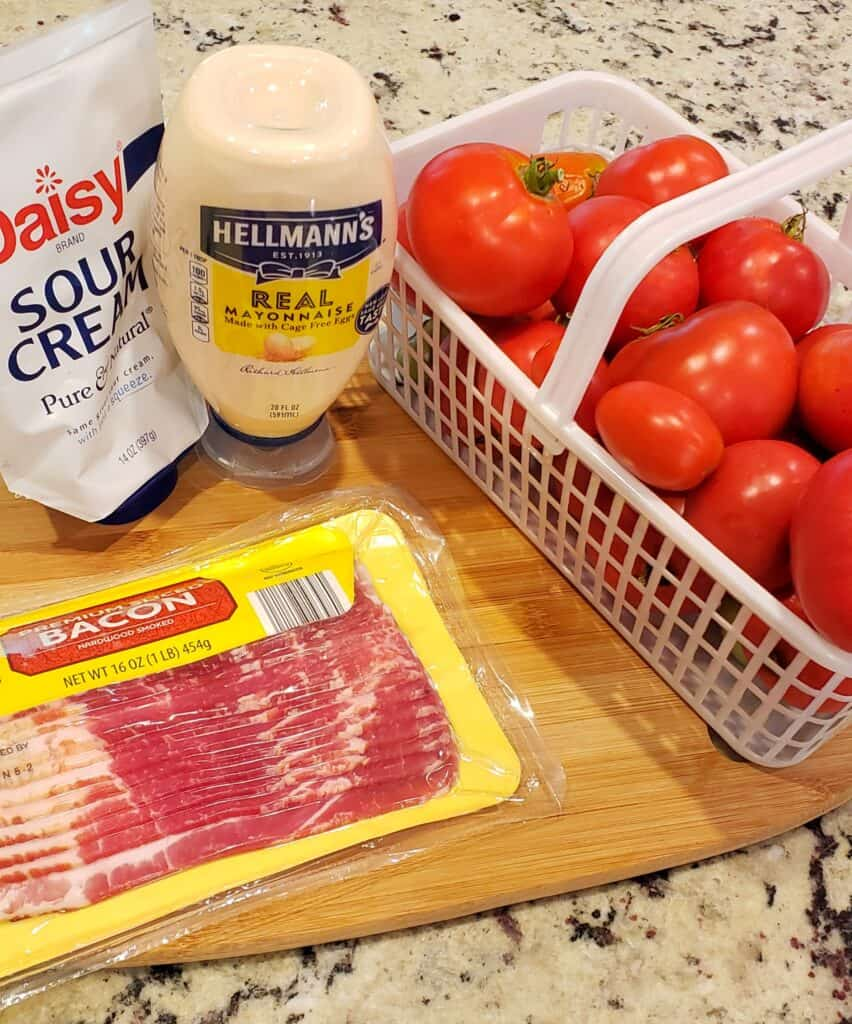 Ingredients for Bacon Tomato Dip: Sour cream, mayonnaise, fresh tomatoes, bacon